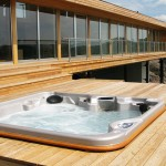 Living In Luxury With the Latest Hot Tub Trends